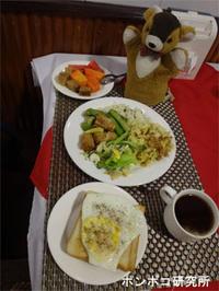 朝食食べて、ヤンゴンに移動 - ポンポコ研究所