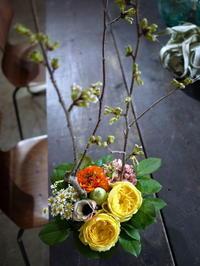 保育園の卒園式にアレンジメント。「黄色系」。栄通3にお届け。2020/03/31。 - 札幌 花屋 meLL flowers