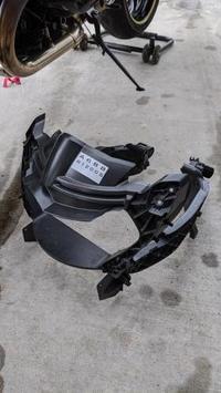 ヘッドライトステー交換 & オイル+フィルター交換 - R1200Sでツーリング