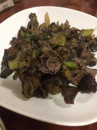牛肉の黒胡椒炒め - 地上50mでも野菜はできました、そして3mへ