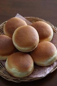 バンズ焼いてチーズバーガー - Takacoco Kitchen