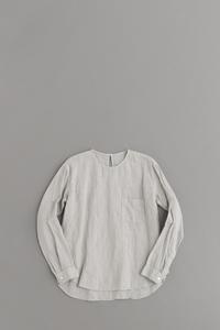 ゴーシュ 100/1リネンコットン クルーネック プルオーバーシャツ (ライトグレー) - un.regard.moderne