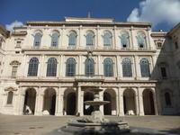 バロック様式の壮麗な威容を誇る建物と偉大な芸術家による1,400点以上のコレクション - dezire_photo & art
