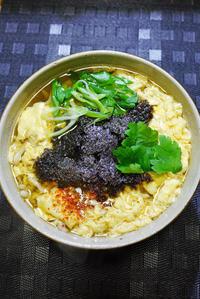 ウチで食べようSANS SOUCIのうどんつゆ花巻卵とじうどんときつねちらし寿司 - ちゅらかじとがちまやぁ