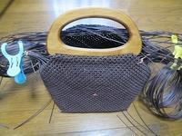 2本どり石畳編み、片方の持ち手付きました - あれこれ手仕事日記 new!