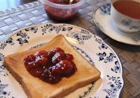 苺ジャムを煮る - 60代からの女道