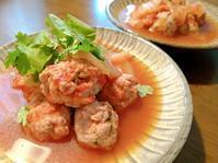 パクチー肉団子のエスニック煮 - まるちゃんのシンプルお家ごはん@シンガポール