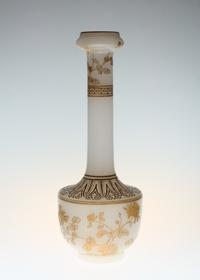 Baccarat Opaline Japonesque Gold Etched Vase - GALLERY GRACE ギャラリーグレース BLOG
