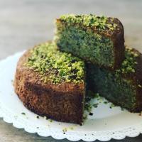 ピスタチオのトルタは目が覚めるような緑! - 幸せなシチリアの食卓、時々にゃんこ