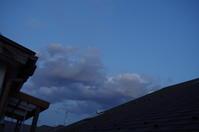 2020.05.07 あさに続き、5.7の夕方の今、この雲を撮影.材木の焦げたにおいも. - 秋葉原・銀座 PHOTO by ari_back