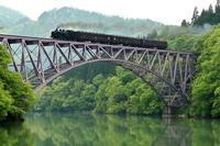 只見第一鉄橋を見上げる - 蒸気屋が贈る日々の写真-exciteVer
