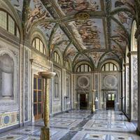 ラファエロの手がけた回廊 - Via Bella Italia ベッライタリア通りから