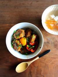 いつもと違うお昼ご飯を㉒「鶏つくね丼」 - Coucou a table!      クク アターブル!