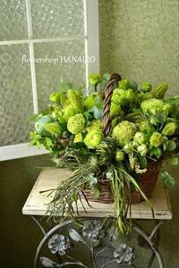 トルコキキョウ「アンバーダブルミント」を使ったバスケットアレンジメント。 - 花色~あなたの好きなお花屋さんになりたい~