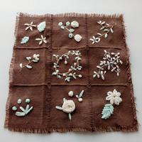 リボン刺繍(素材色々)でお花色々② - とんでもひつじ日和