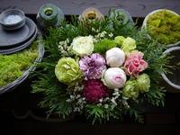 あえて遅れての母の日にアレンジメント。岩内町に発送。2020/05/24着。 - 札幌 花屋 meLL flowers