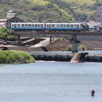 土讃線736D(高知商業前駅-朝倉駅間)鏡川橋橋梁 - 南風・しまんと・剣山 ちょこっと・・・