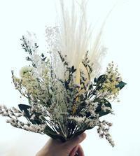 白い花束 - プリザーブドフラワーアレンジメント制作日記