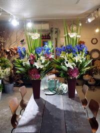 ご葬儀にアレンジメント。「一対で、少し感じ変えて」。南郷通20丁目にお届け。2020/06/06。 - 札幌 花屋 meLL flowers
