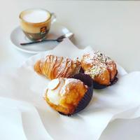 街のバール朝ごはんとイタリア人の列 - 幸せなシチリアの食卓、時々にゃんこ