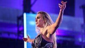 シャーロット・フレアーがスポーツ・タレント・エージェンシーと契約 - WWE Live Headlines