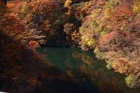 村上市奥三面渓谷の紅葉 - 日本あちこち撮り歩記