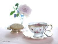 薔薇の香りのティータイム - お茶をどうぞ♪