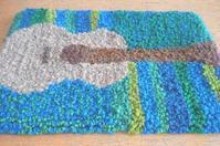 ギター - 空飛ぶ絨毯