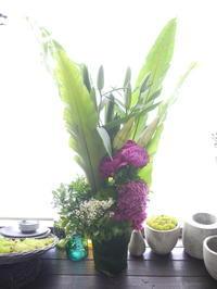 お父様の七回忌にアレンジメント②「白~グリーン、ピンク等」。2020/06/21。 - 札幌 花屋 meLL flowers