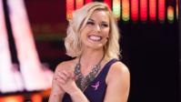 ルネ・ヤングが新しい髪型を披露 - WWE Live Headlines