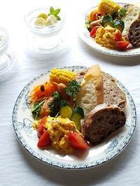 産直野菜とストックパンでワンプレート♪ - キッチンで猫と・・・