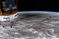 国際宇宙ステーションからみた2020年6月21日の皆既日食時の地球食の姿 - 秘密の世界        [The Secret World]