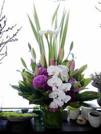 ご葬儀のアレンジメント。西21のお寺にお届け。2020/06/22。 - 札幌 花屋 meLL flowers
