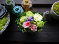 お誕生日のアレンジメント。「織物イメージ」。2020/06/26。 - 札幌 花屋 meLL flowers