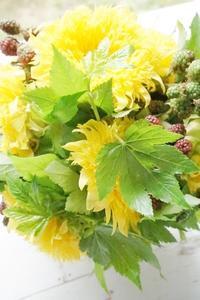 ヒマワリのブーケロン - お花に囲まれて