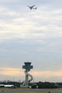 らせん状の建物 - 南の島の飛行機日記