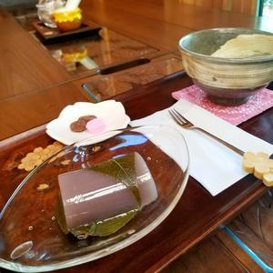 とっておきの隠れ家カフェ * 「茶房ひとひら」の季節の和菓子♪ - ぴきょログ~軽井沢でぐーたら生活~