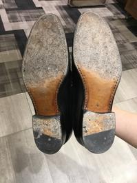 革底の乾燥を防ぐ - シューケアマイスター靴磨き工房 銀座三越店