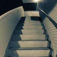 階段 - モノクロ写真をアップする!