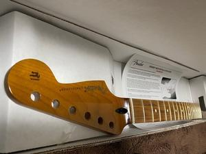 "Fender Mex""ROASTED MAPLE STRATOCASTER NECK, 21 NARROW TALL FRETS, 9.5"", PAU FERRO, C SHAPE"" - 【○八】マルハチBlog"