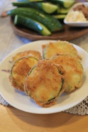 ズッキーニのフライ、イカのニンニク醤油炒め、マリネ、ミートグラタン - マキパン・・・homebake パンとお菓子と時々ワイン・・・