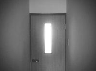 扉周りを磨く - 綺麗な部屋のママでいたい