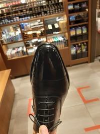 光らせ方は「クラシックスタイル」 - シューケアマイスター靴磨き工房 銀座三越店
