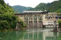 本名ダムの前を渡る只見川第6橋梁- 2009年・只見線 - - ねこの撮った汽車
