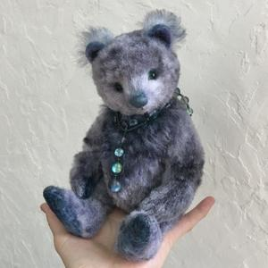 Marone Bear