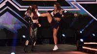 紫雷イオ、ダコタを襲撃するもラクエルに襲撃される - WWE Live Headlines