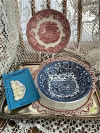 英ブルー絵付けプレート59, ローズ色絵付けプレート60 - スペイン・バルセロナ・アンティーク gyu's shop