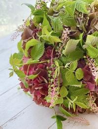 アンティーク紫陽花のブーケドマリエ - お花に囲まれて