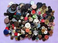古いボタンがザクザク - Der Liebling ~蚤の市フリークの雑貨手帖3冊目~