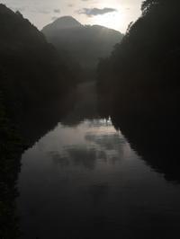 ダム湖の朝景 (2020/7/20撮影) - toshiさんのお気楽ブログ